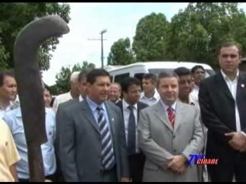 Governador Anastasia inaugura obras em Japaraíba