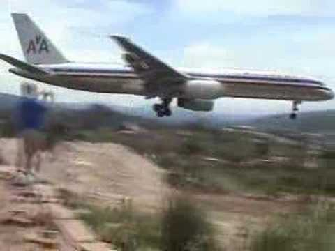757 landing Tegucigalpa_Car videos