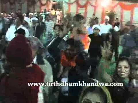 Sindhi Bhagat Mandali - Video of Sindhi religious music and singing called Sindhi Bhagat. Video covers presentation of famous sindhi Bhagat Madali named Balak Mandali from Katani.