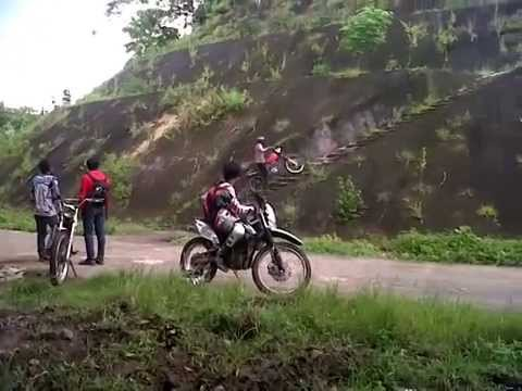 Dayang 125 T ( China motocycles) Bad bad bad