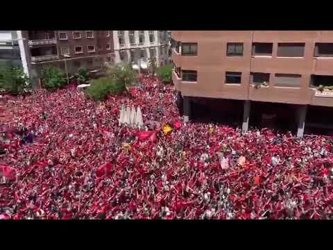 "Liverpool fans sing ""You'll Never Walk Alone"" in Madrid"