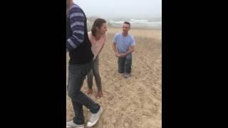 زوج مستقبلي يترك حماته ملقاة أرضا ليطلب يد ابنتها