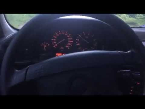 E34 540 уводит руль влево