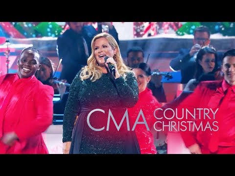 CMA Country Christmas 2019: Trisha Yearwood Talks Christmas & New Album (Exclusive)