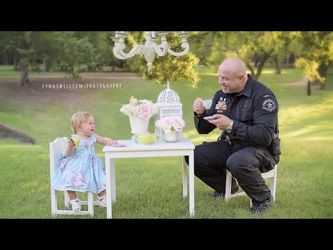 48-Year-Old Officer Who Had Tea With Toddler Dies