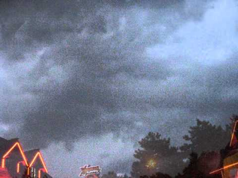 Video Furtuna puternica in Bucuresti/ Strong Thunderstorm  in Bucharest- 17.05. 2015 download in MP3, 3GP, MP4, WEBM, AVI, FLV January 2017