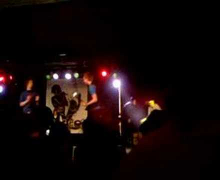 the clue - sunny spells ( gig @ stage 08)