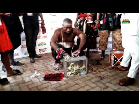 Nana Togbe Kedinakpo Shows his Magical Powers at Asantehemaa's Funeral at Manhyia, Kumasi