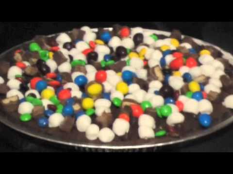The Ultimate Brownie Pizza