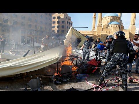 Des partisans du Hezbollah saccagent le site des manifestants dans le centre de Beyrouth