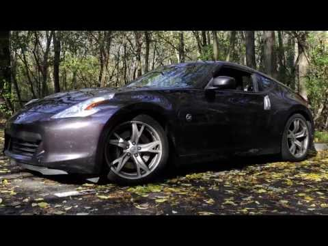 Video review of Nissan 370z mocks vehicle