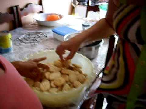 cleide fazendo biscoito em eirunepe amazonas