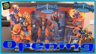 Lightseekers Awakening: Opening Jax the Tyrax (Figure, Weapon ...