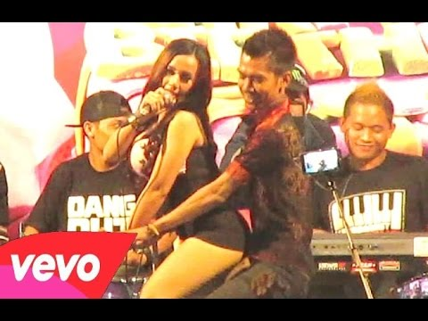 Video GALA GALA - Dangdut Koplo Hot Saweran - UUT SELLY Terbaru - Folk Music [HD download in MP3, 3GP, MP4, WEBM, AVI, FLV January 2017