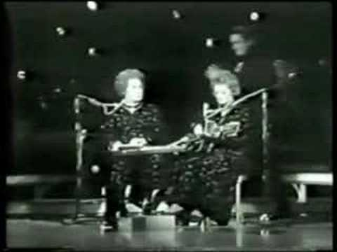 Maybelle & Sarah Carter on The Johnny Cash Show