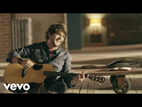 andgoes - iTunes:https://itunes.apple.com/us/album/it-goes-like-this-single/id646484188 Music video by Thomas Rhett performing It Goes Like This. (C) 2013 The Valory M...
