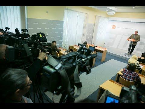 Németh Szilárd vasárnapi sajtótájékoztatóján