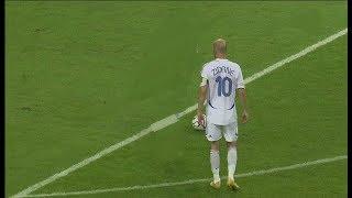 Video 5 times Zidane Make Football So Easy And Shocked The World MP3, 3GP, MP4, WEBM, AVI, FLV Desember 2018