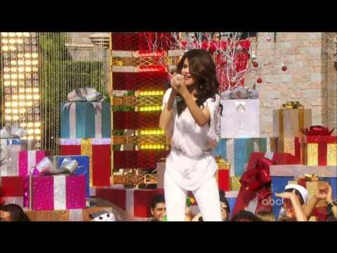Selena Gomez Live At Disneyland (Christmas Day Parade)
