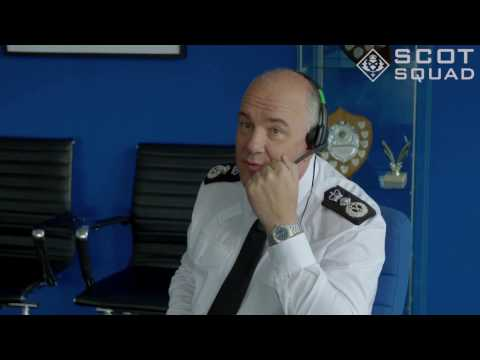 Scottish Police Chief tries out Call of Duty