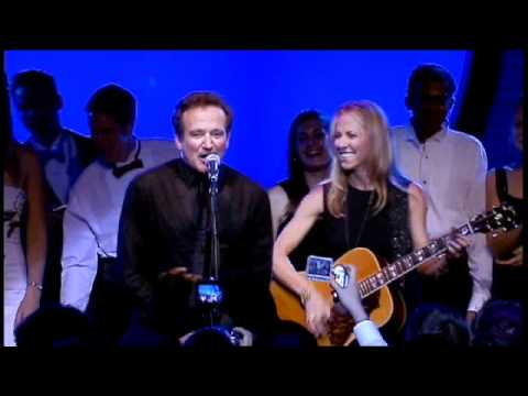 "Sheryl Crow & Robin Williams – ""Everyday is a Winding Road"" Party Jam"