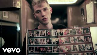 Machine Gun Kelly - See My Tears lyrics (French translation). | Rain, in the rain. Rain, in the rain.