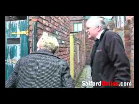 salfordonline - by Tom Rodgers Just a bit of extra footage from the SalfordOnline archives here - featuring Julie Hesmondhalgh aka Hayley Cropper from Corrie giving us a bri...