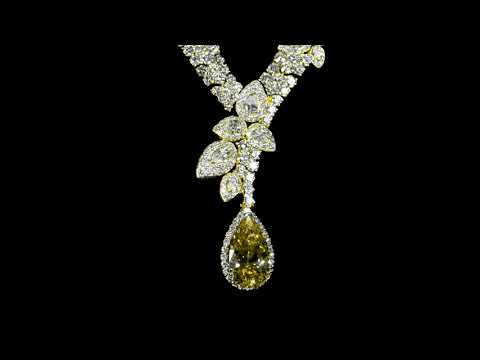 Elegant 18k Yellow Gold GIA Certified 9.39ct Pear Brilliant Cut Fancy Brown Yellow Diamond Necklace