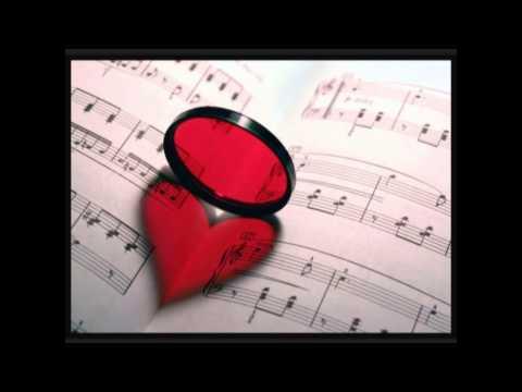 Bailando – Enrique Iglesias Ft. Gente De Zona y Descemer Bueno