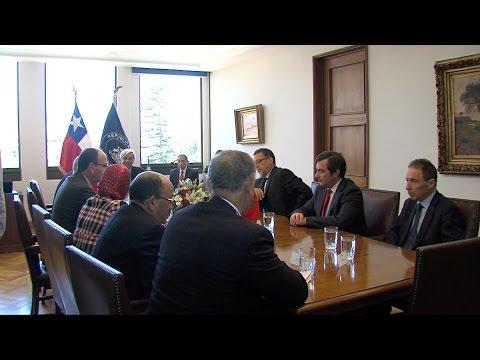 'إشادة من سانتياغو بجهود المغرب في تقديم حلول فعالة لايجاد حل لنزاع الصحراء