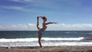Yoga on the beach: Kino MacGregor Yoga on Atmosphere's beach