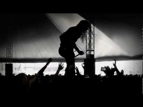 What immense heat? @TRASH_TALK didn't seem to care. Hardcore punkrock show @Pukkelpop #pkp12 [video]