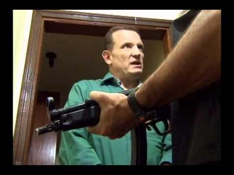 sombrada - No Conexão Repórter de 23 de abril, Roberto Cabrini entrevistou Odilon de Oliveira, o juiz que vive sob escolta 24 horas por dia por levar para a cadeia traf...