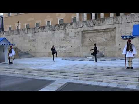 Δείτε το πρώτο βίντεο από την αλλαγή της Προεδρικής Φρουράς με Πόντιους Εύζωνες!