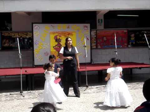 Varios niños peruanos ya festejan el Día de la Canción Criolla