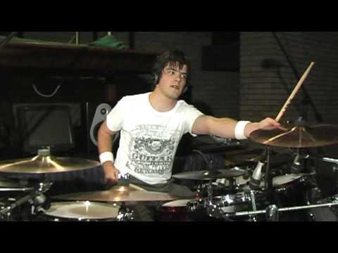 Я так не умею барабанить.