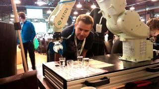 Поляки собрали робота, который ровно разливает водку по рюмкам