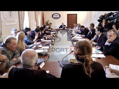 Report Tv - Opozita bllokon edhe këtë të mërkurë komisionet parlamentare (видео)