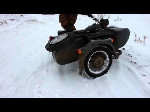 Урал мотоцикл по снегу снимок