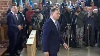 Prezydent Duda zaczyna przemawiać w kościele św. Brygidy, Wałęsa wychodzi. Obchody Sierpnia '80