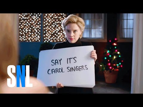 Kate McKinnon s Hillary Clinton Does A LastDitch Love Actually On