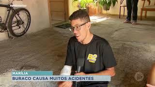 Buraco aberto pelo Daem provoca acidentes em Marília
