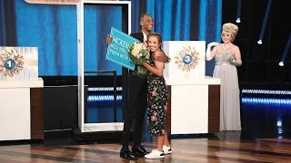 Video Ellen Sets Up an Unforgettable Promposal for Two Best Friends MP3, 3GP, MP4, WEBM, AVI, FLV Oktober 2018