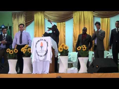 sidney magno cantando no congresso do gideão missionario em cordeiro em agosto de 2012