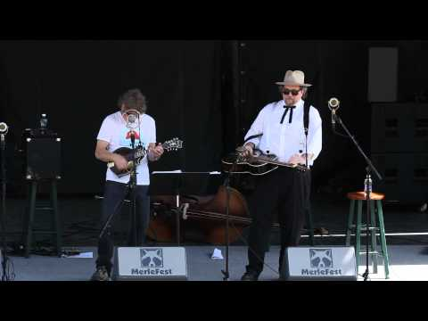 Sam Bush & Jerry Douglas - Steam Powered Aereo Plane (Merlefest 2015)
