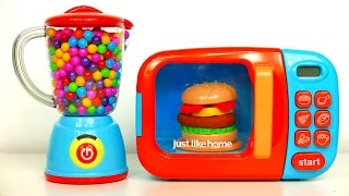 Cooking up yummy play doh food with this super cool microwave. Then lets make a yummy candy smoothie with surprise toys.