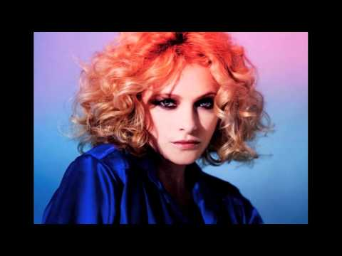 Goldfrapp - We Radiate lyrics