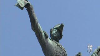 Pichação em monumentos: vandalismo ou arte? Como são escolhidos os homenageados sob a forma de esculturas que ocupam o espaço público da cidade?