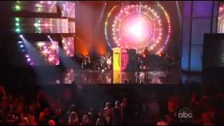Carly Rae Jepsen - This Kiss & Call Me Maybe (AMA's 2012)