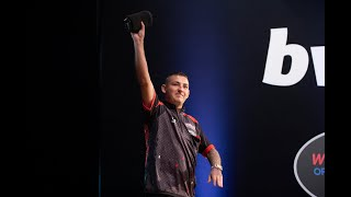"""James Wade: """"I might not always agree with Barry Hearn but without him I wouldn't be working"""""""